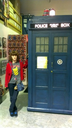 Amanda near the TARDIS at Who North America